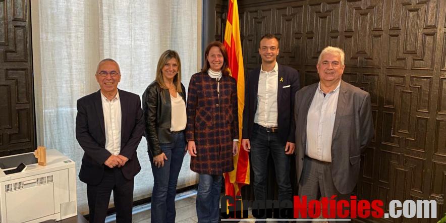 alt - Reunió a l'Ajuntament de Girona