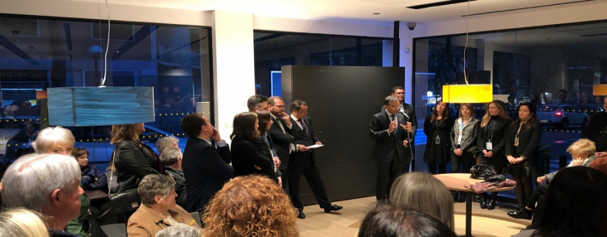 alt - CaixaBank inaugura a Tarragona dues oficines més del nou model Store per potenciar la innovació i la proximitat al client