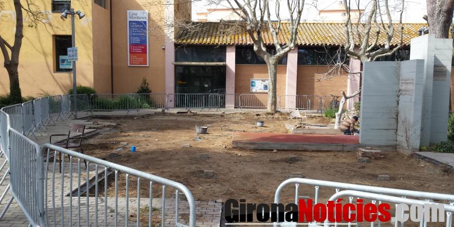 Obres de millora de l'espai central del parc dels Països Catalans