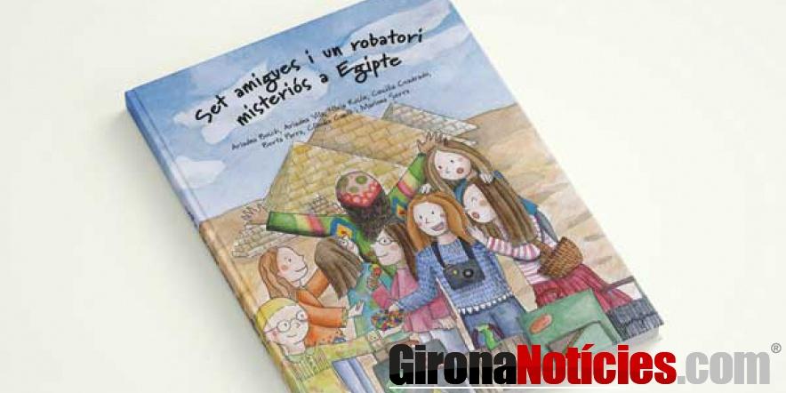 Set amigues i un robatori misteriós a Egipte