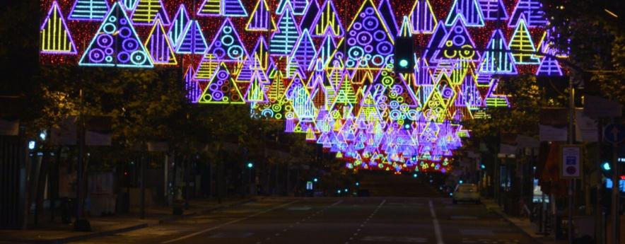 alt - La luz de la Navidad ilumina Madrid