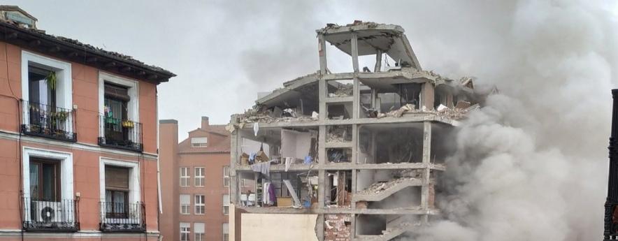 alt - Al menos tres fallecidos en una explosión en la calle Toledo de Madrid