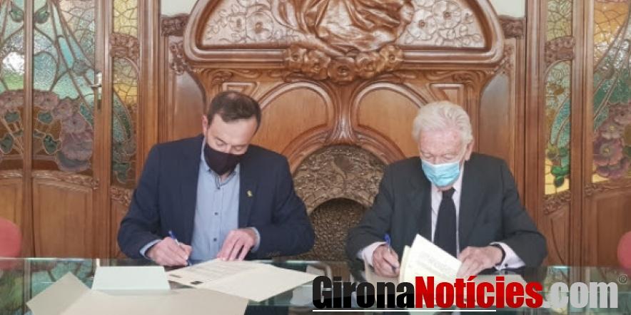 alt - Moment de signar el conveni