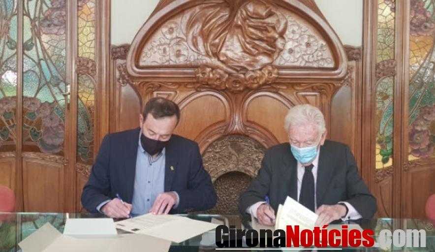 Moment de signar el conveni