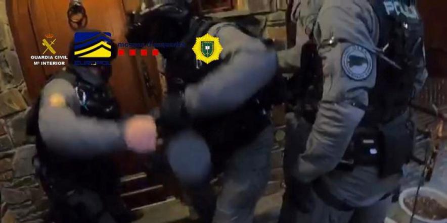alt - Policia andorrana