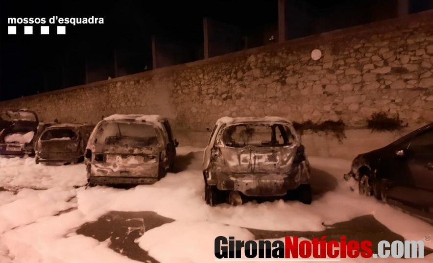 Cotxes cremats a Palafrugell