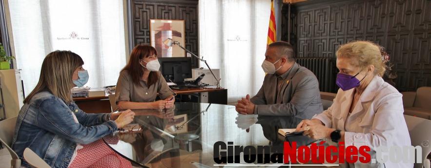 alt - L'alcaldessa de Girona rep el president del Consell de Treball, Econòmic i Social de Catalunya
