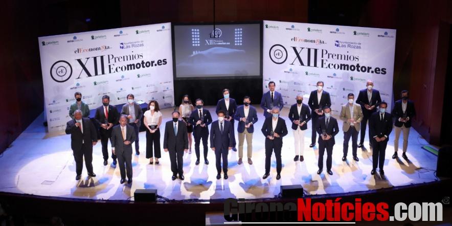 Foto de grupo de los galardonados en la XII edición de los Premios Ecomotor 2021