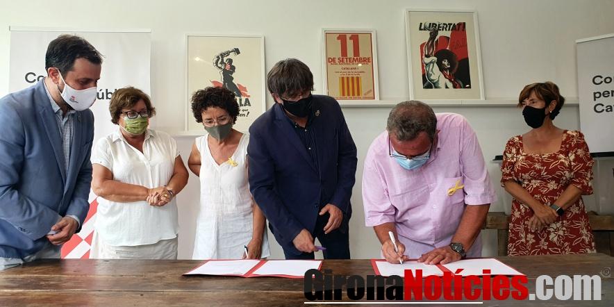 alt - Signatura i reunió al centre de Perpinyà