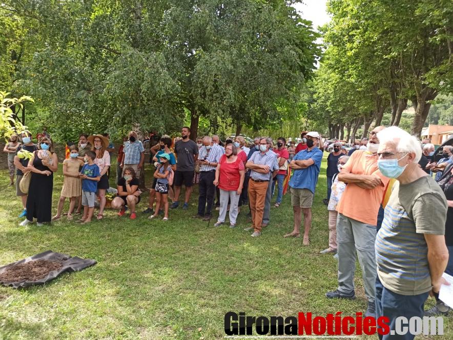 Prats de Molló inaugura dues plaques commemoratives/ GN